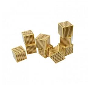 9 cubes de 1000 en bois