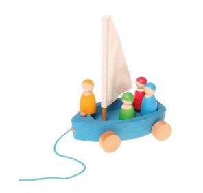 Grand bateau à voile avec 4...